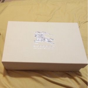 Burberry shoe box authentic packaging storage